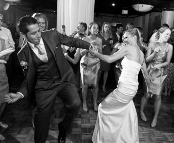 wedding dancing photograph in chicago